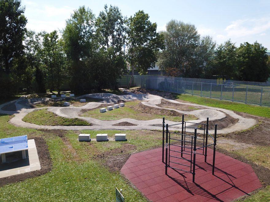 Sportanlage Vienna International School, Planung und Ausführung